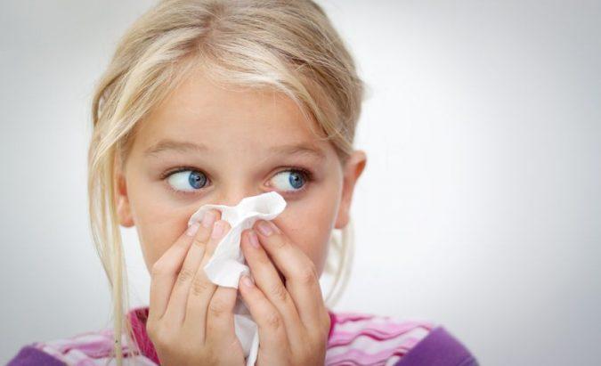 kaip sustabdyti kraujavimą iš nosies su hipertenzija