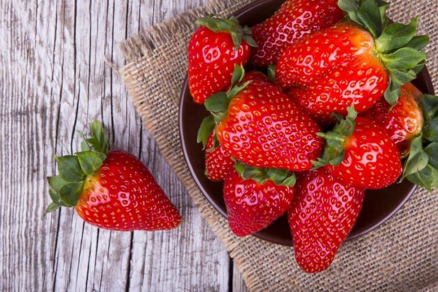 Vaisių ir daržovių spalva lemia jų naudą