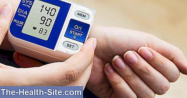 druskos gydymas hipertenzijai gydyti 4 pusės įkeičia galvą širdies rankų sveikatą