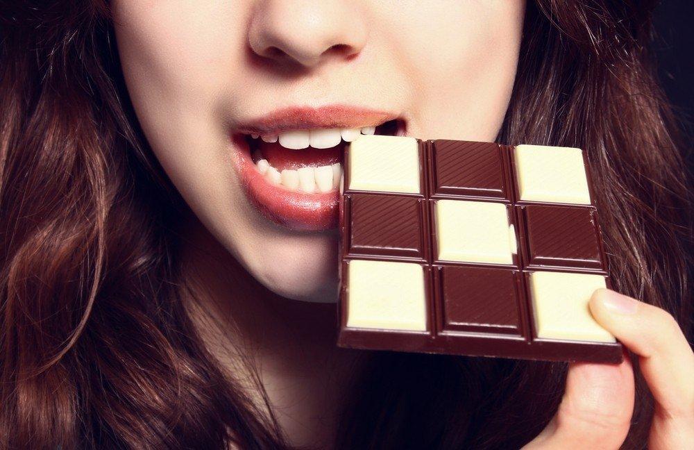 7 įrodyti faktai apie juodojo šokolado naudą - DELFI Sveikata
