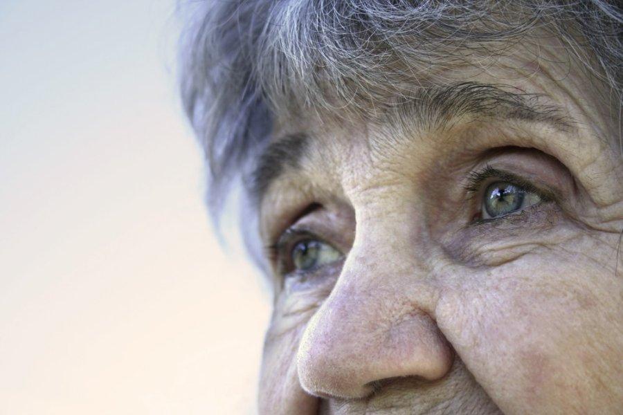 kaip gydyti akis su hipertenzija)