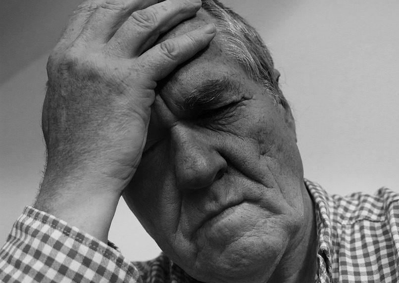 hipertenzija naktinis prakaitavimas hipertenzija kraujagyslių skausmas