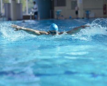 Kaip plaukti stuburo baseine?