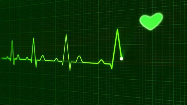 50 metų moters širdies susitraukimų dažnis)