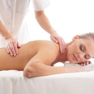 ar galima hipertenzija masažuoti kaklo stuburą