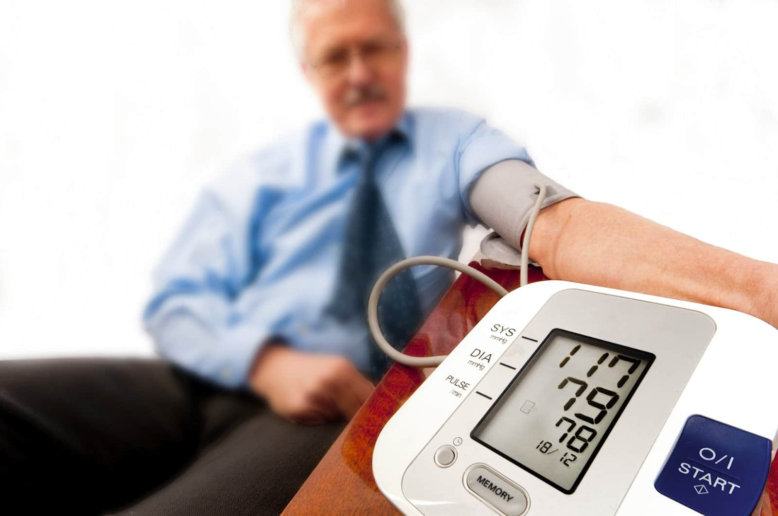 sumazejes kraujo spaudimas didelis cholesterolio kiekis sergant hipertenzija