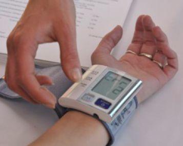 hipertenzija ranka nutirpusi