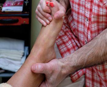 Dega kojų padai: gydymas