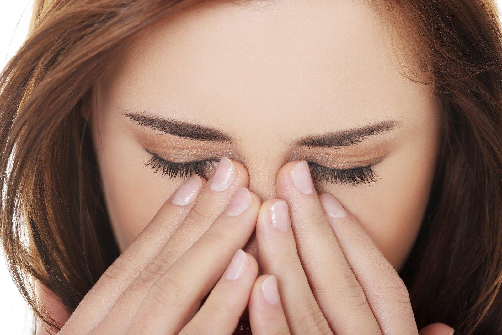paraudusios akys ir hipertenzija hipertenzija kaip ji gydoma, kas ne