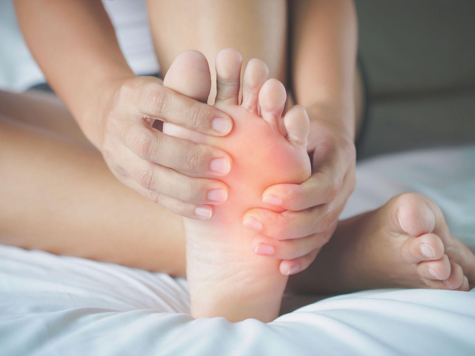 Kojų patinimas - simptomai, priežastys ir gydymas