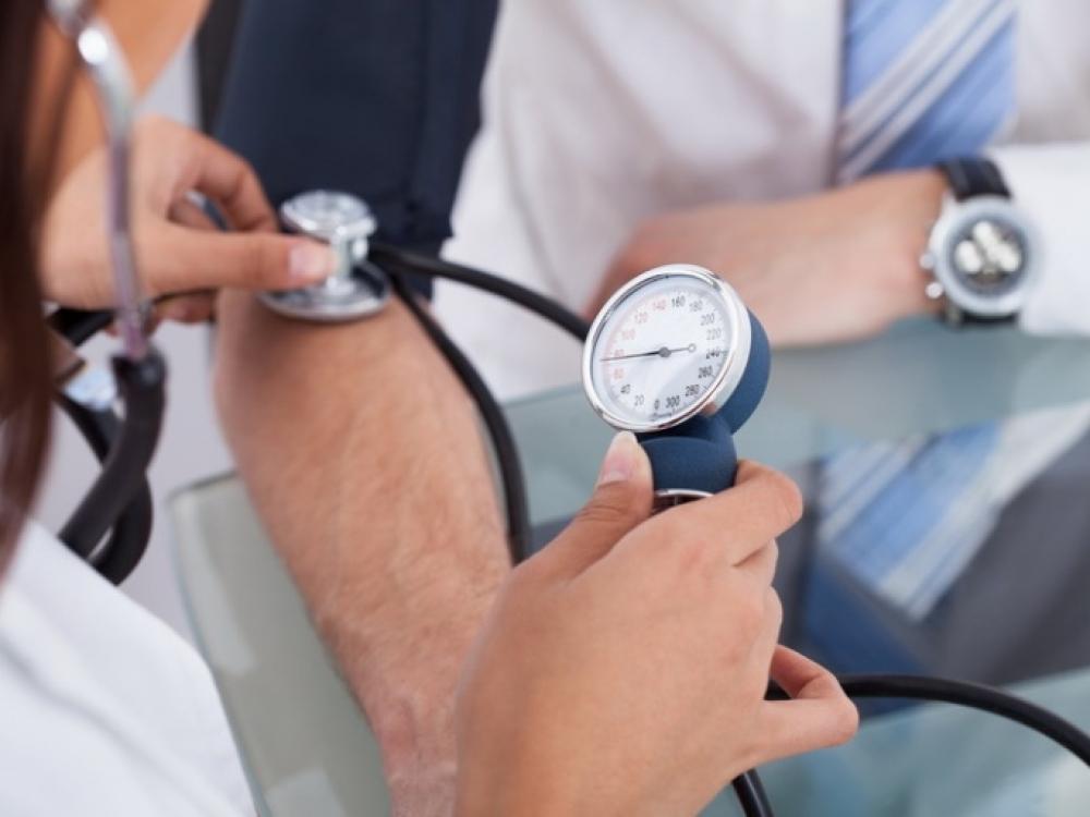 aukštas kraujospūdis, bet ne hipertenzija)