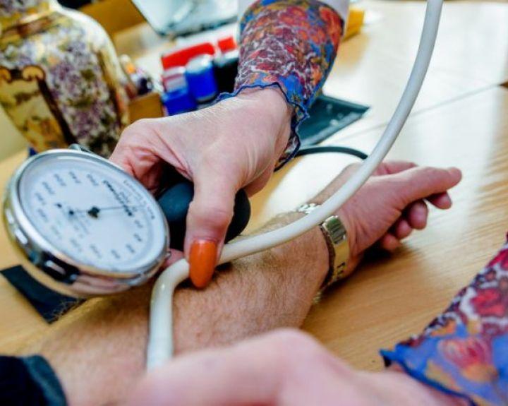 hipertenzija miego dieną