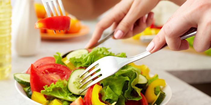 Kodėl žalio maisto dieta yra pavojinga. Žaliavalgystės dietos pranašumai