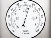 aukštas atmosferos slėgis su hipertenzija)