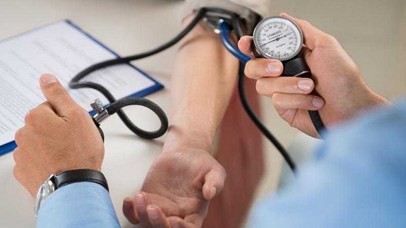 raumenų hipotenzija raumenų hipertenzija su)