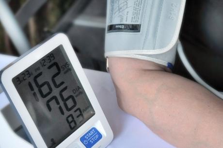 miego apnėja ir širdies sveikata kaip kovoti su hipertenzija dėl inkstų