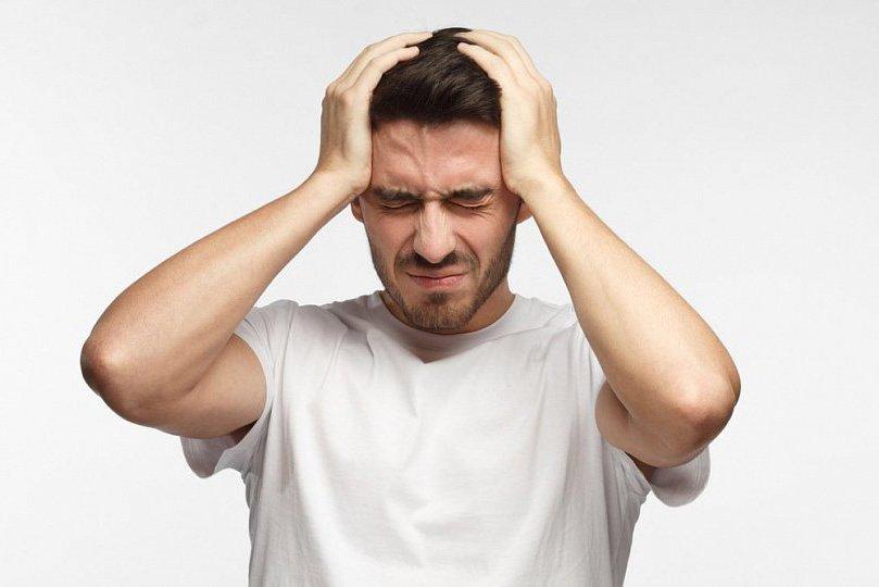 nuo galvos skausmo malšinanti hipertenzija)