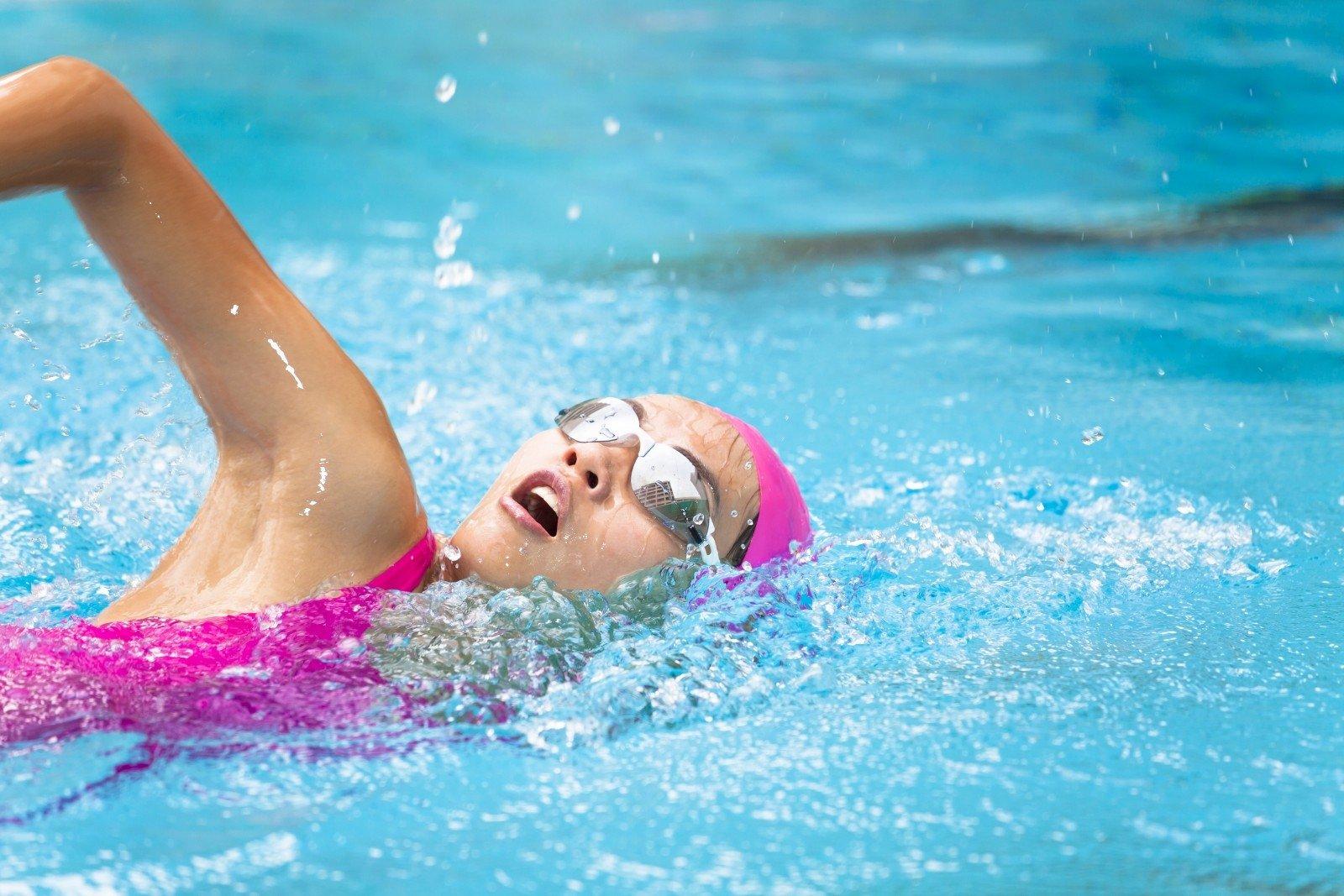 plaukimas baseine su hipertenzija
