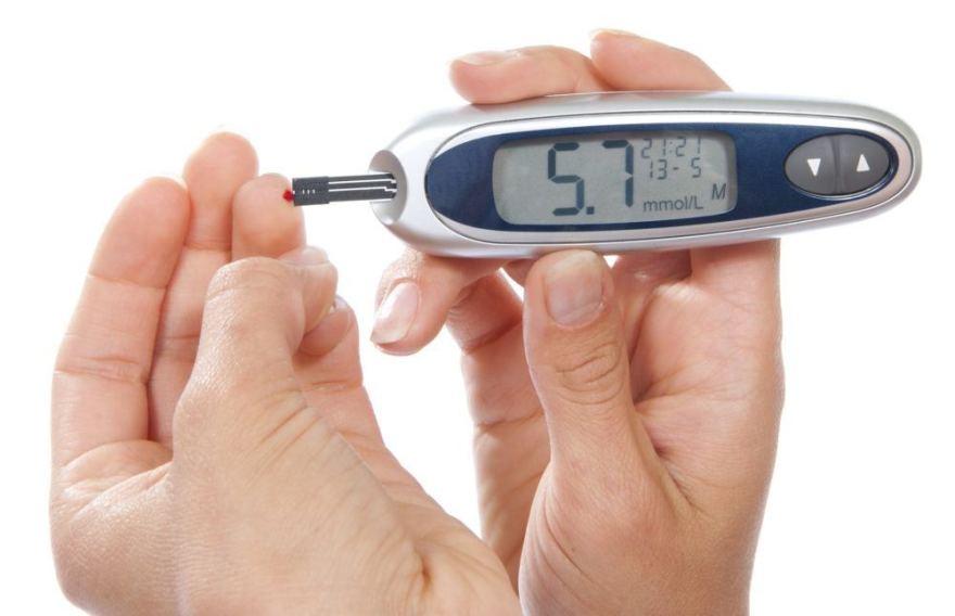 padidėjęs gliukozės kiekis kraujyje su hipertenzija)