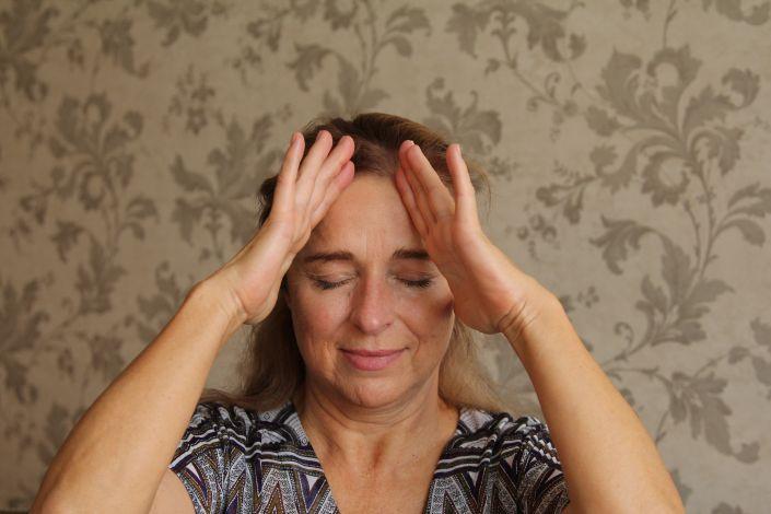 Keturių rūšių gimdos kaklelio osteochondrozės masažas, jo efektyvumas, savimasažas