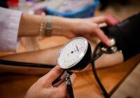 kraujo leidimas dėl hipertenzijos)